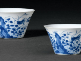 清康熙青花秋意图马蹄杯一对成交价(人民币):32,200